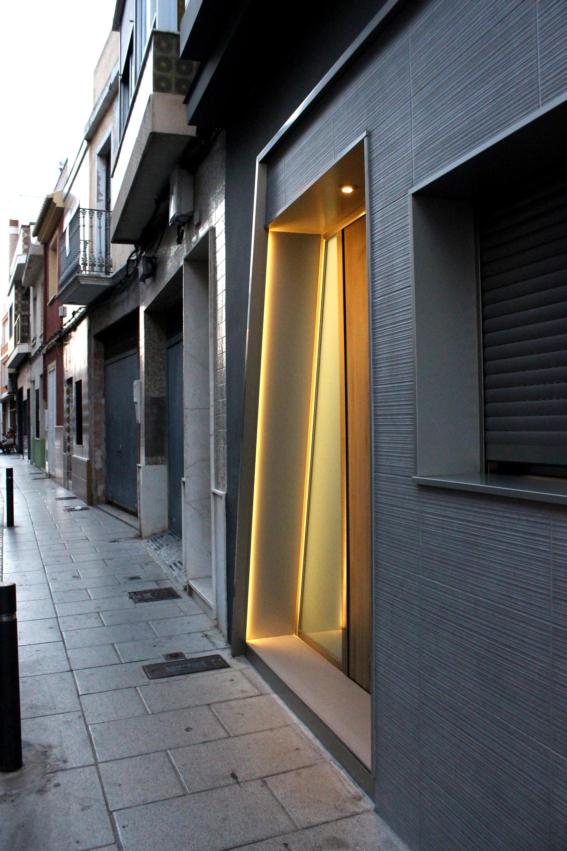 Vista-fachada-y-calle